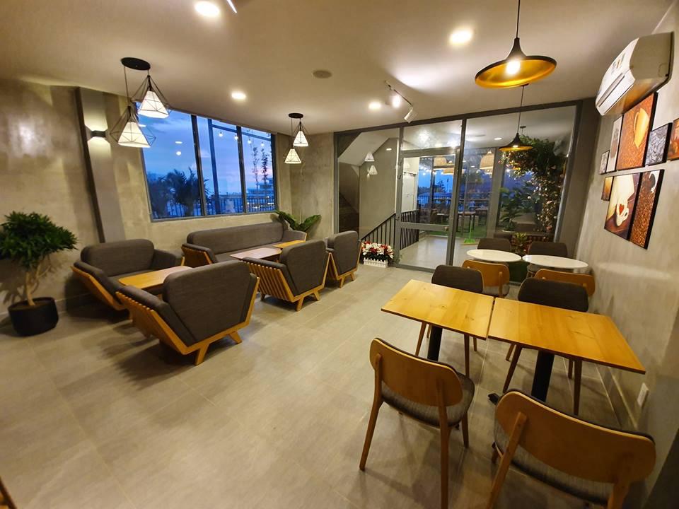 khong-gian-noi-that-ben-trong-HD-coffee-house-phu-quoc