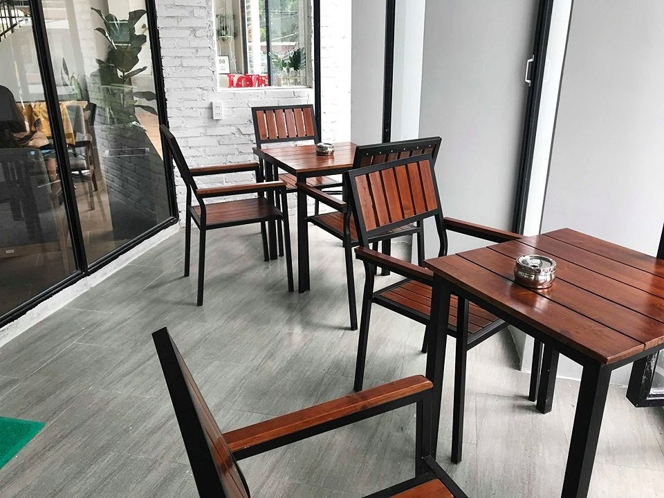 bo-ban-ghe-cafe-ngoai-troi-the-monday-coffee (3)